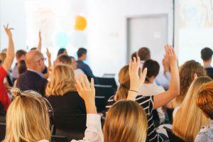 Saiba como organizar uma reunião de condomínio agradável e produtiva