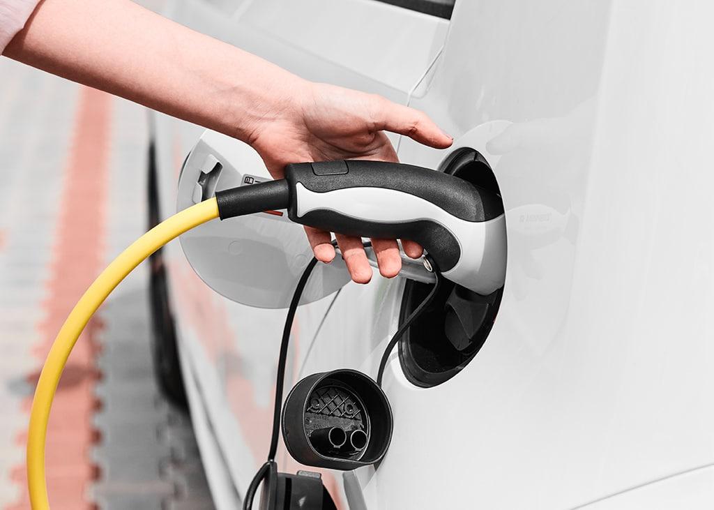 carros-eletricos-lei-obriga-predios-novos-em-sp-a-ter-recarga-para-os-carros